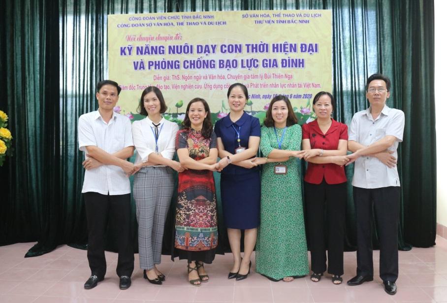 """Thư viện tỉnh Bắc Ninh tổ chức Nói chuyện chuyên đề: """"Kỹ năng nuôi dạy con thời hiện đại và phòng chống bạo lực gia đình"""""""